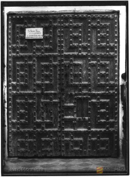 puertas palacio prioral, foto Juan Mora